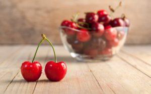 Вишня: польза и вред. Витаминный и минеральный состав плодов
