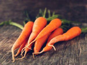 Как правильно посадить морковь