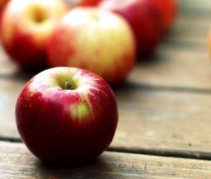 Польза свежих яблок